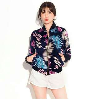 RESTOCK XO - BOMBER TROPICAL NAVY   BAHAN BABYTERRY PRINTED DIGITAL FULL DEPAN BELAKANG (HIGH QUALITY). ALLSIZE FIT TO L. SAKU DEPAN DIBAGIAN KIRI KANAN. SLETING DEPAN.