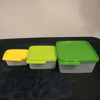 Tupperware 1 set beda ukuran