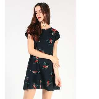 BNWT Dressabelle Fluted Hem Dress (Navy Floral)