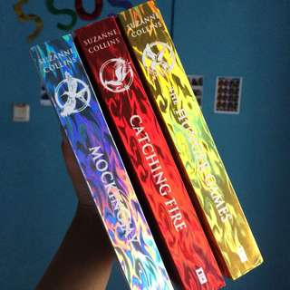 The Hunger Games (ENGLISH-1 PAKET)