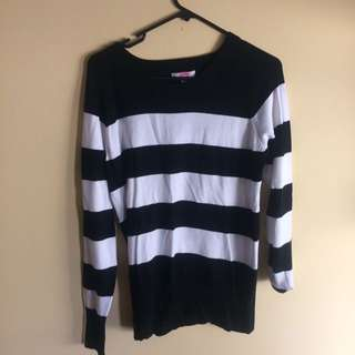 Black And White Long-Sleeved Top