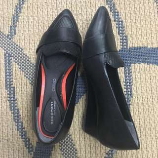 Rockport 1 inch black shoes