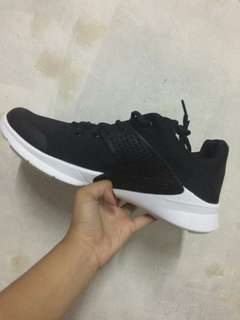 NIKE ARROWS (rubber shoes)