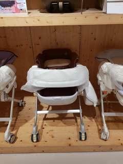 Combi roanju high chair swinging bed. Harga baru 8,4jt digambar ada harga
