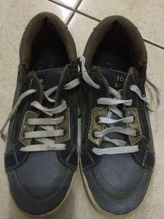 Sepatu tomkins uk.38