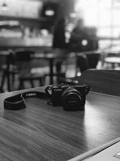 Canon EOS M10 15-45mm Kit Lens 18MP (Black)