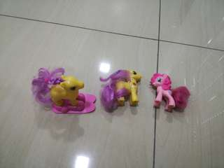 Macdonald's toy My Little Pony collection with magnetic leg,magnetic skateboard FREE 2 RANDOM TOY SPEC
