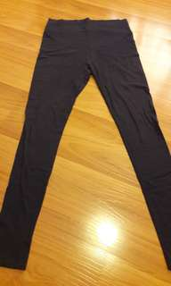 9Months Maternity Leggings sizeM (dark blue)