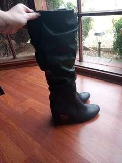 Lipstik Knee High Leather Heeled Boots 9