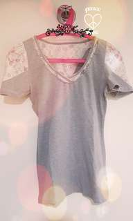 Kamiseta grey top with lace