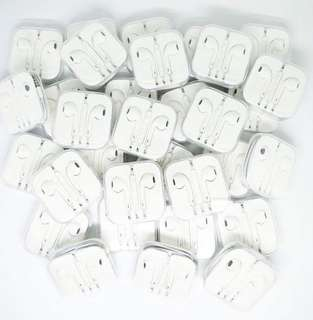 Apple earpods with serial code and cable marks perfect for your Iphone Ipad and Itouch :)