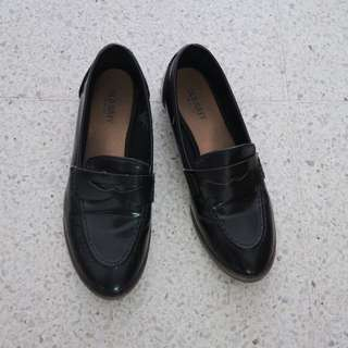 Old Navy - black loafers