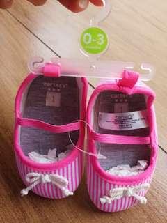 🚚 carter's女寶粉色條紋蝴蝶結0~3m,可穿到更大,送的尺寸不合,售,全新