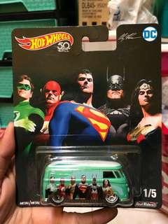 Hot Wheel Volkswagen T1 Panel Superman DC Comics Alexross Justice League Hotwheels