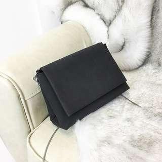 #002 Black Sling Bag