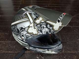 Full face motorcycle helmet with transparent cover