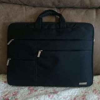 黑色手提多層電腦拎袋男女適用 買咗唔啱size 全新 15.6寸 防水 靚質地  可議