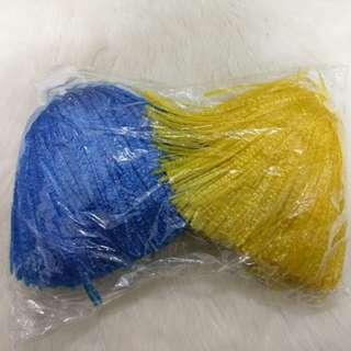 彩球 啦啦隊 加油 歡呼 運動會 表演 彩排 生活 競技 藍色 黃色 國小 國中