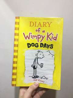The Diary of a Wimpy Kid: Dog Days (plastic covered)