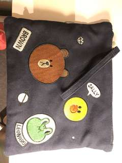 LINE character clutch