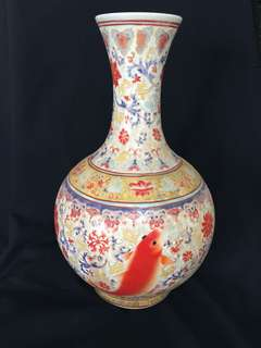 Qing dynasty Yong Zhen Mark Famille rose decorated with fish35cm high. 大清雍正年製粉彩魚紋瓶。