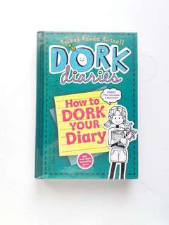 Dork Diaries: How to Dork Your Diary