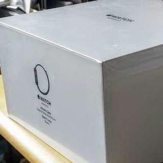 Apple Watch Series 3 | GPS + Cellular | 42mm Space Gray Aluminium | Sport Loop Black
