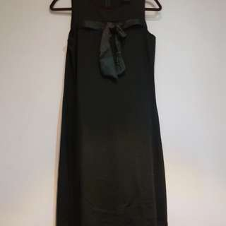 Ribbon black dress