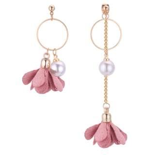 [A100] Irregular Floral Pearl Dangling Earrings