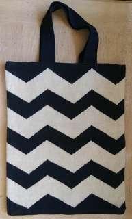 Knitted black cream zigzag stripe tote bag