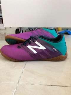 95%new new balance足球鞋