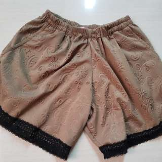 Silky brown short