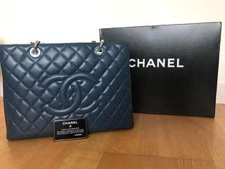 Chanel GST系列 經典LOGO荔枝牛皮銀鏈包