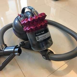 dyson DC46 吸塵器 (少用 因此出售 八成新)
