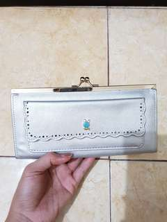 Dompet import warna silver