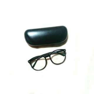 Kacamata Big Frame (Oval)