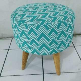 Kursi stool biru tosca