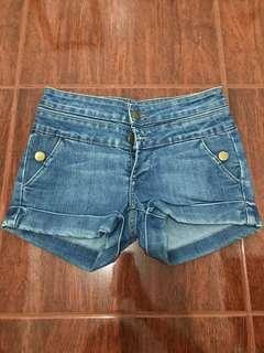 Mid waisted push up shorts (sale 100)