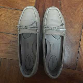 Rockport Nude Loafers