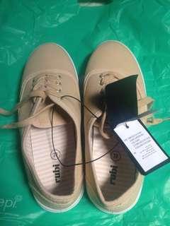 Rubi Ellis plimsoll sneakers