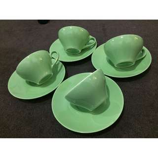 Green Chamellia tea cup and saucer - set of 4
