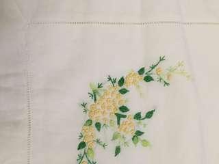 White embroidered bedsheet cadar