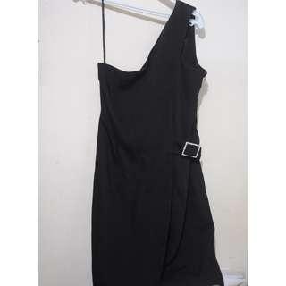 Jones New York black one shoulder cocktail dress