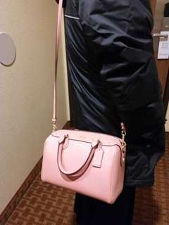 Authentic Coach Crossbody bag Pink  6月中到貨