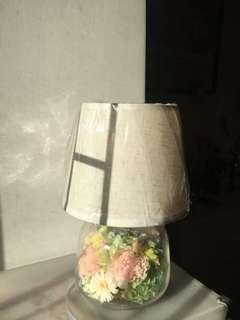 Handmade preserved flowers lamp