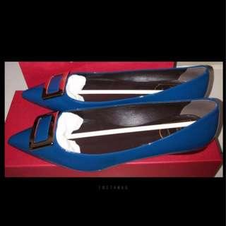 全新Roger Vivier RV 尖頭平底鞋