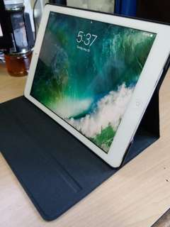 IPAD AIR 128G WIFI CELLULAR 98%NEW. WITH ORIGINAL FLIPTOP COVER CASE PROTECTOR. BATTERY LONG HOURS OF STANDBY AND USE VERY GOOD FOR TRAVEL