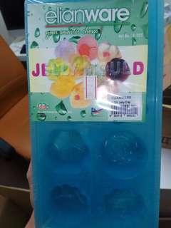 Jelly cup maker