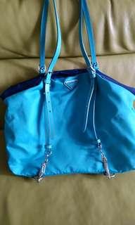 🚚 PRADA水藍帆布側背包*不議價