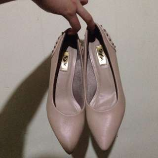 2 inch pointed heels shoes - Both size US 6